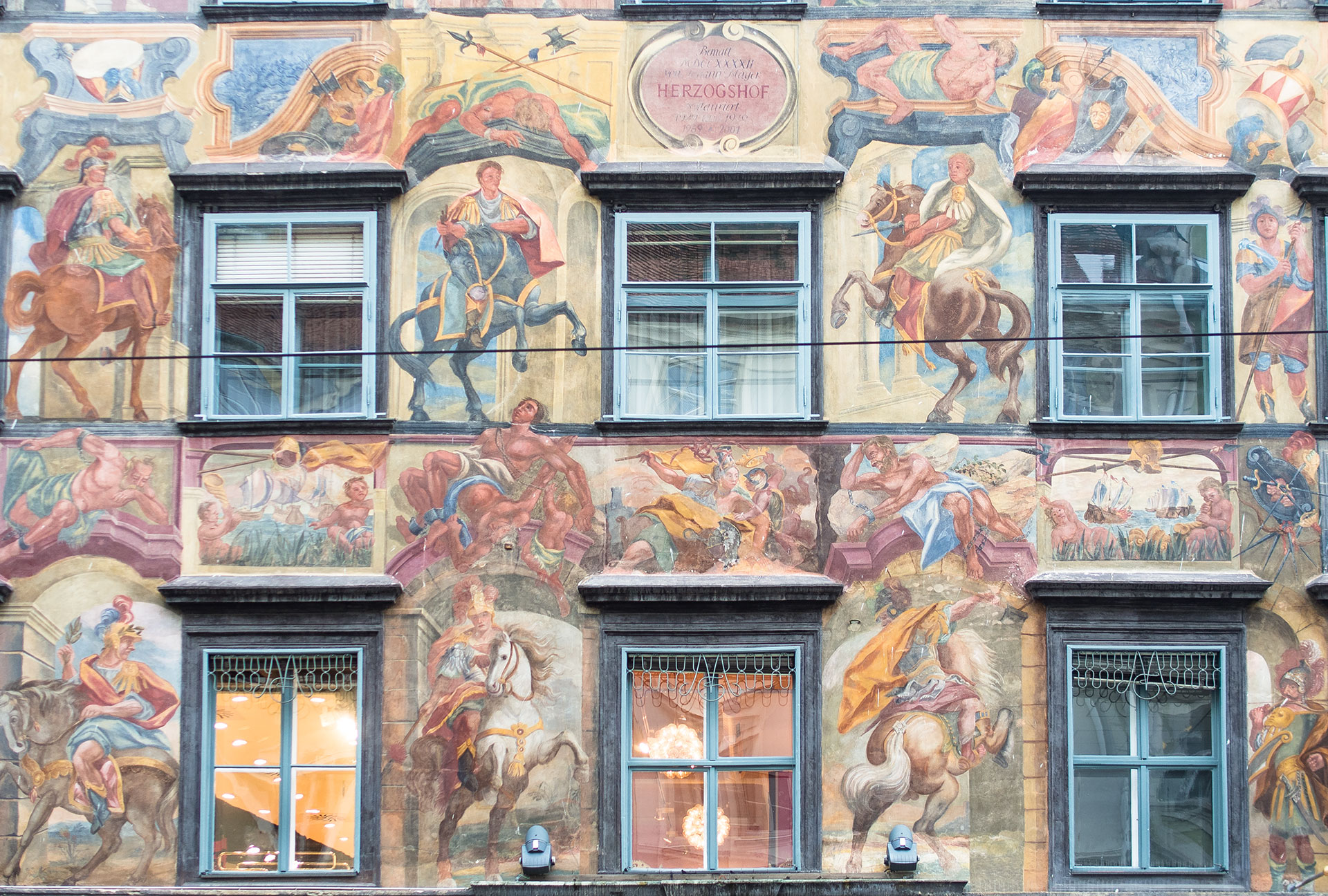 Urban Touch Gemaltes Haus Herzogshof